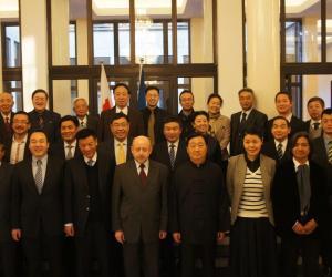 波兰驻中国大使馆为中国人授勋